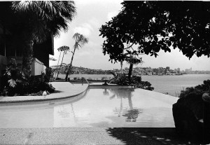 Australia's first infinity pool, built for the Kelly family's residence, Tahiti, at Vaucluse, Sydney, in 1965. Photo by Jim Whitelock.